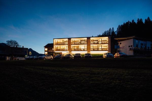 Фотографии отеля: Genuss- & Aktivhotel Sonnenburg, Рицлерн
