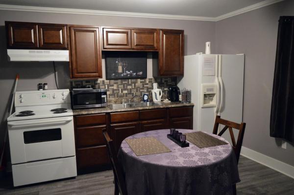 Hotel Pictures: Spud Suites, Deer Lake