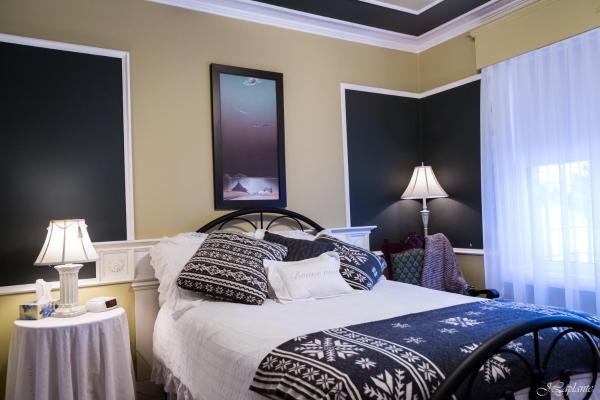Hotel Pictures: La Maison du Doc, Acton Vale