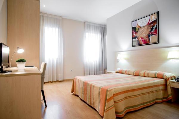 Hotel Pictures: Hotel Rostits, Castellón de la Plana