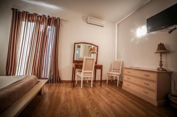 Hotel Pictures: Castellu Rossu, Lucciana
