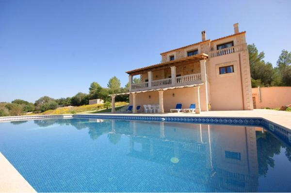 Hotel Pictures: Finca Can Serra Llubi, Moscari