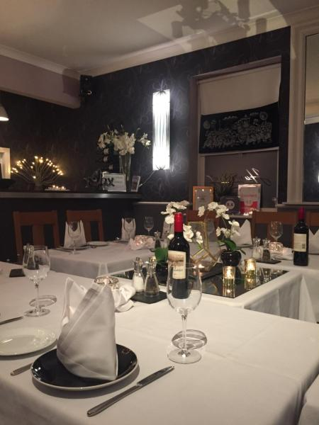Hotel Pictures: , Chertsey