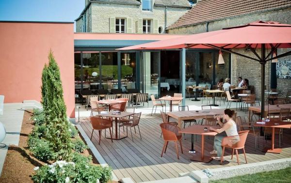 Hotel Pictures: Castel de Très Girard - Chateaux et Hotels Collection, Morey-Saint-Denis