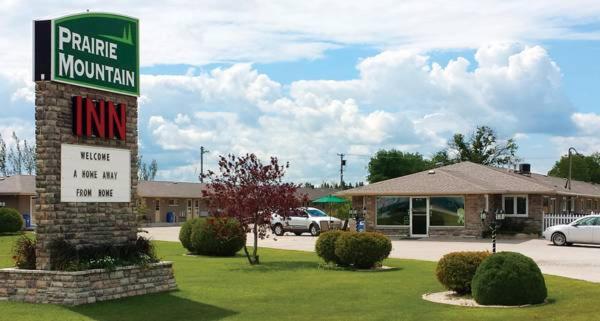 Hotel Pictures: Prairie Mountain Inn, Dauphin