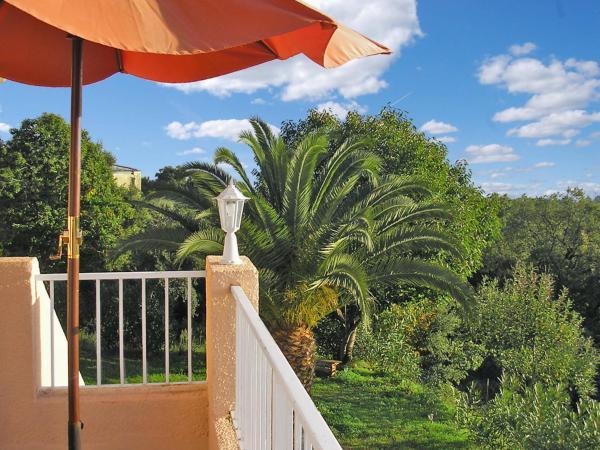 Hotel Pictures: Maison Giovanetti (CTN320) (320), Cervione