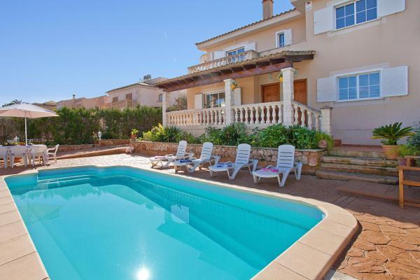 Hotel Pictures: Villa Llebeig, Urbanicacion ses palmeres