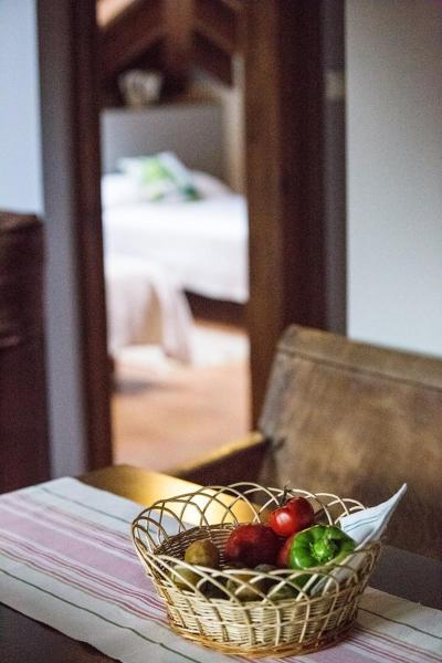 Hotel Pictures: Apartamentos Rurales El Collaín de Campiellos, Campiellos