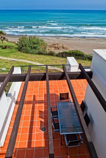 Hotel Pictures: Casares del Mar Luxury Apartments, Casares