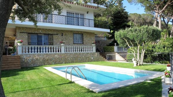 Hotel Pictures: Villa Candela, Dosríus