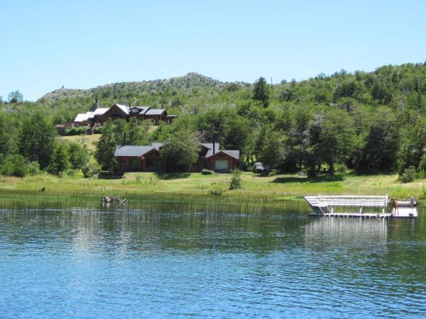 Foto Hotel: Laguna Larga Lodge, Lago Futalaufquen