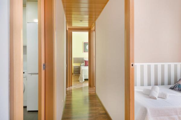 Hotel Pictures: Centric Apartment Gran Via 3, Hospitalet de Llobregat