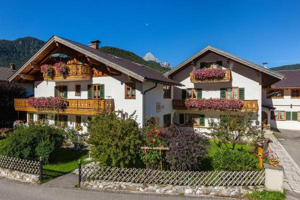 Hotel Pictures: St-Christoph, Mittenwald