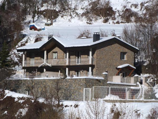ホテル写真: Xalet Marsal-Vacances Pirinenca, エンカンプ