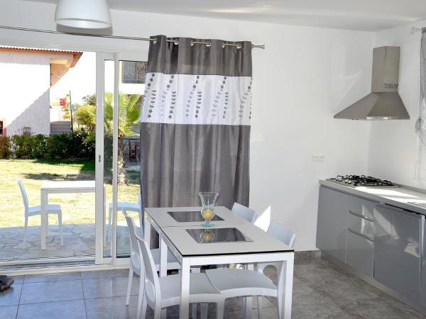 Hotel Pictures: Apartment Les Brises de Mer.3, Santa-Lucia-di-Moriani