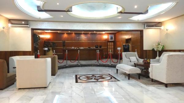 Hotel Pictures: Hotel Amaritsah, Binza