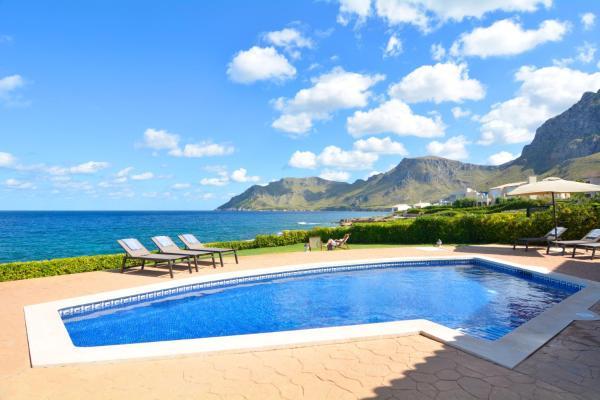 Hotel Pictures: Sea Front Villa Betlem, Cala Mesquida