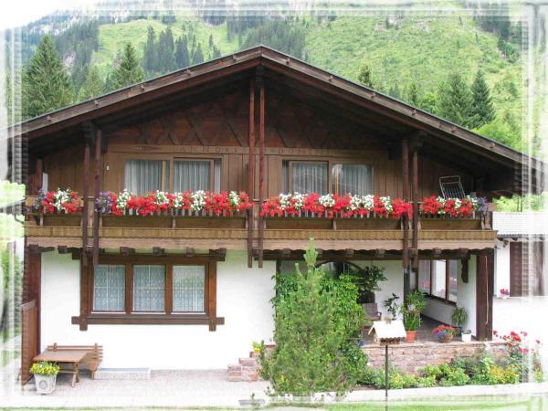 Фотографии отеля: Landhaus Krinnenspitze, Нессельвенгле