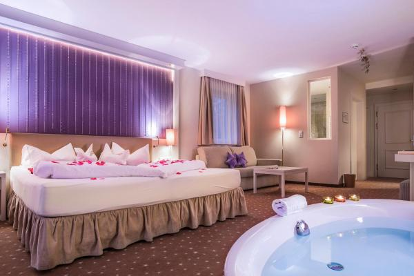 Hotellbilder: Alpen-Herz Romantik & Spa - Adults Only, Ladis