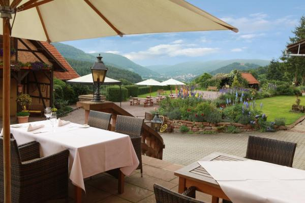 Hotel Pictures: Landhotel der Schafhof Amorbach, Amorbach