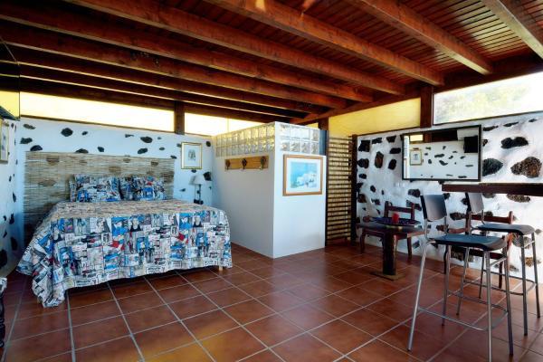 Hotel Pictures: Loft Lanzarote, Las Breñas