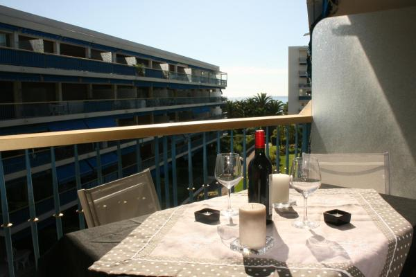 Hotel Pictures: Le Grand Large, Cagnes-sur-Mer