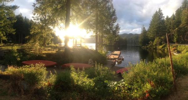Hotel Pictures: Ruby Lake Resort, Madeira Park