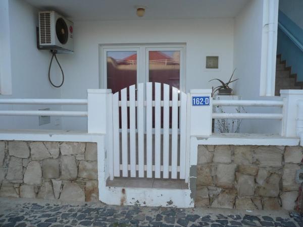 Hotel Pictures: Murdeira 162D Apartment, Beirona