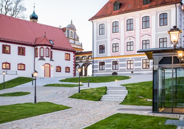 Hotel Pictures: Hotel Schloss Leitheim, Leitheim