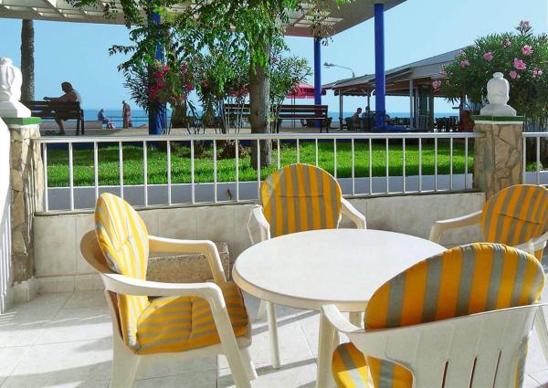 Hotel Pictures: LOS PINOS (TOX110) (110), Torrox Costa