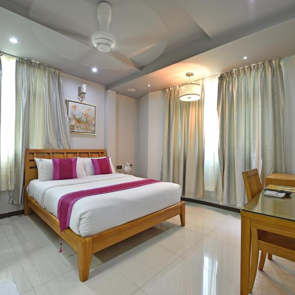 2-Bedroom Apartment with Free Airport Transfer