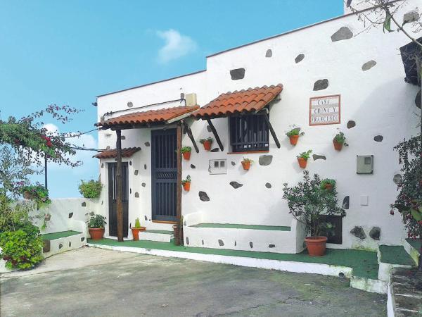 Hotel Pictures: Ferienhaus (180), Icod de los Vinos