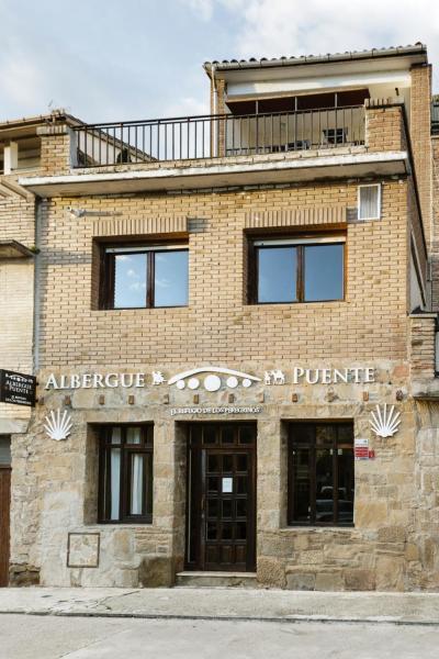 Hotel Pictures: Albergue Puente, Puente la Reina