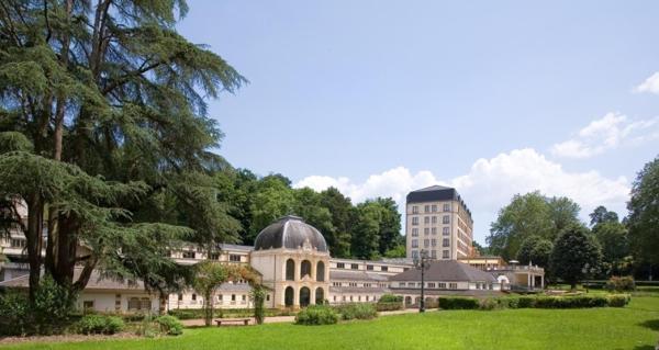 Hotel Pictures: Hotel Bristol Thermal, Saint-Honoré-les-Bains