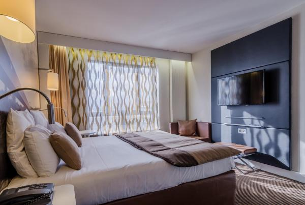 Hotel Pictures: , Cergy