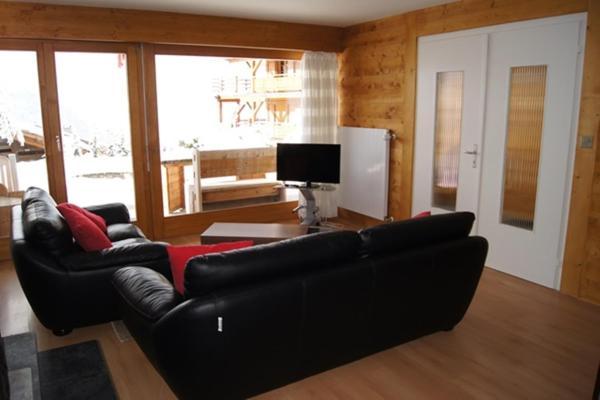 Hotel Pictures: 3-Bedroom Apartment Aiguille Verte Rez, Verbier