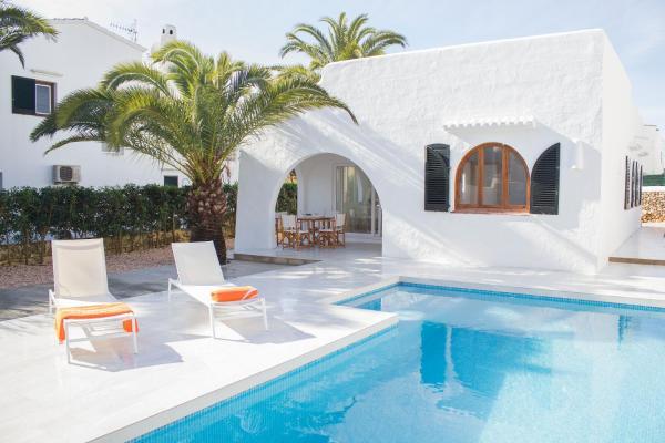 Hotel Pictures: Villa La Rueda, Cala en Forcat