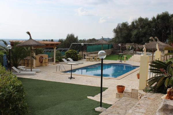 Hotel Pictures: Mira Mar Villa, Son Carrió