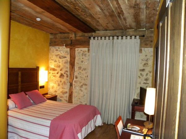 Hotel Pictures: Posada Los Templarios, Ucero