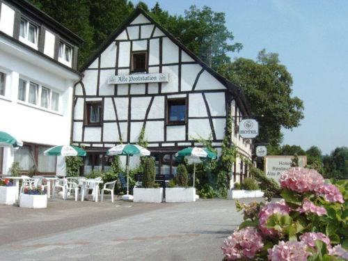 Hotel Pictures: Hotel Alte Poststation, Overath