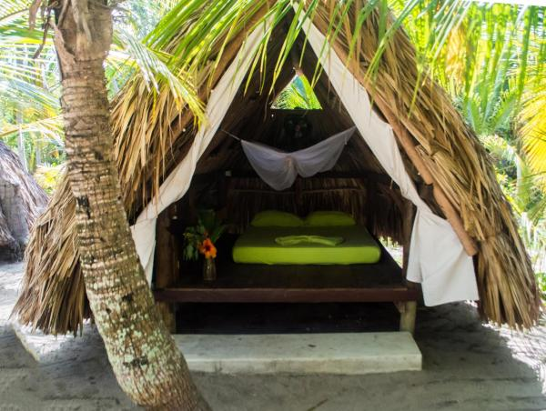 Hotel Pictures: Costeño Beach Surf Camp, Guachaca