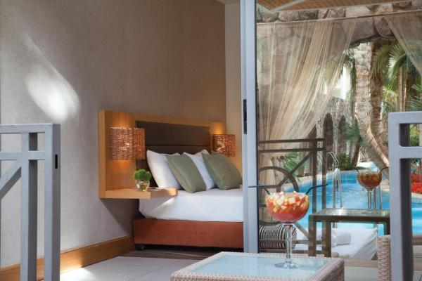 Standard Room Water Front with Pool Access