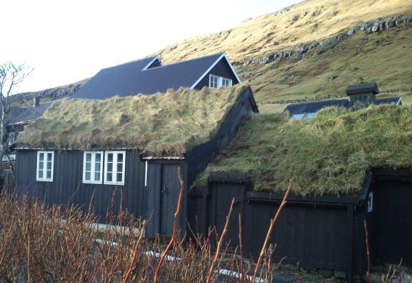 Hotel Pictures: Old Cottage Home, Kollafjørður