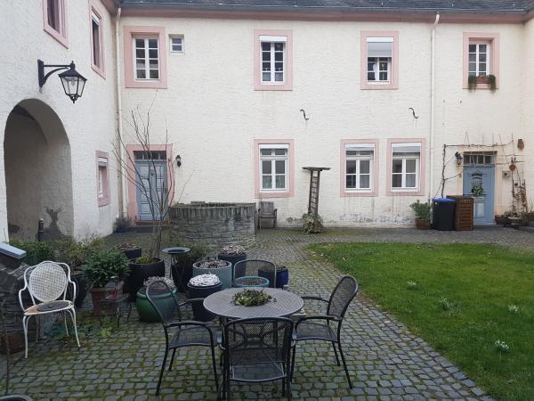Hotel Pictures: Weingut-Klosterhof, Brauneberg