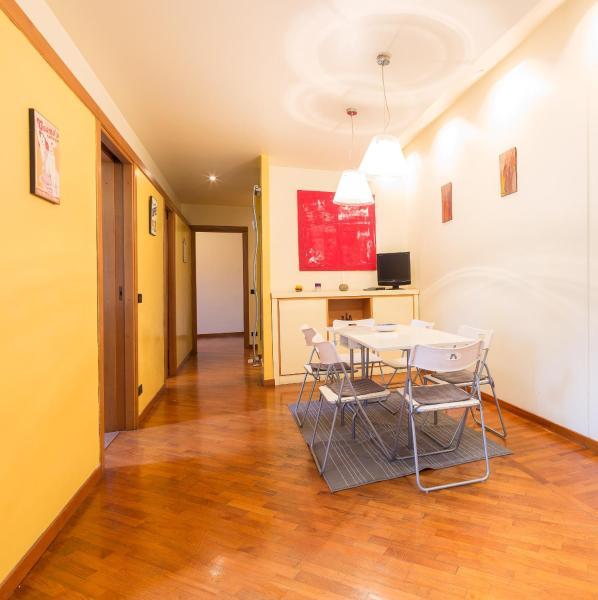 Foto Hotel: 4BROS Wonderful Apartment 32, Roma
