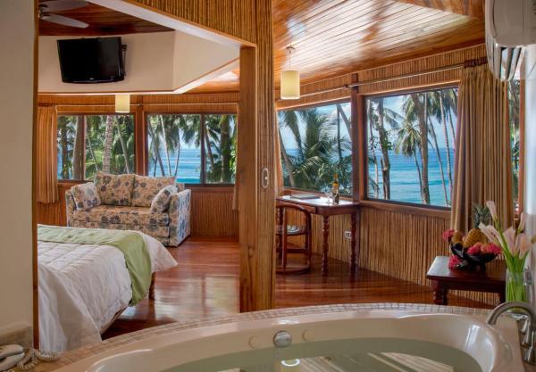 Tiki Suite BeachFront
