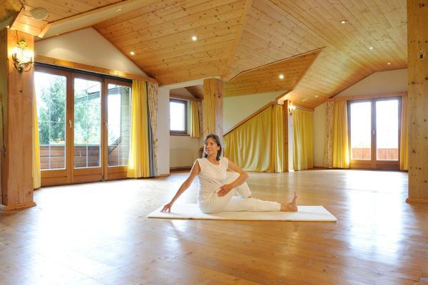 Hotel Pictures: Naturhotel Alpenrose, Millstatt