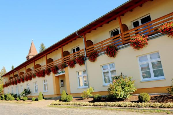 Hotel Pictures: Land-gut-Hotel Seeblick, Klietz