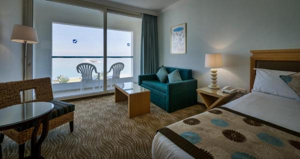 Standard Triple Room with Balcony and Sea View