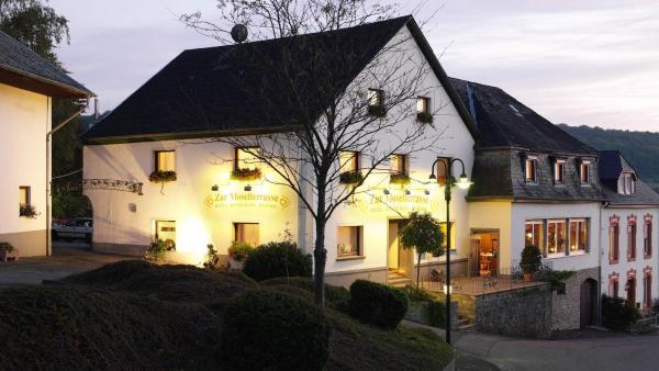 """Hotel Pictures: Hotel & Restaurant """"Zur Moselterrasse"""", Palzem"""